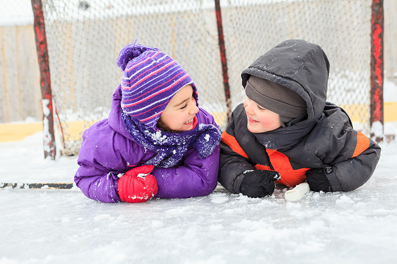 https://campmanitou.mb.ca/wp-content/uploads/2015/11/Activities-Skating.jpg